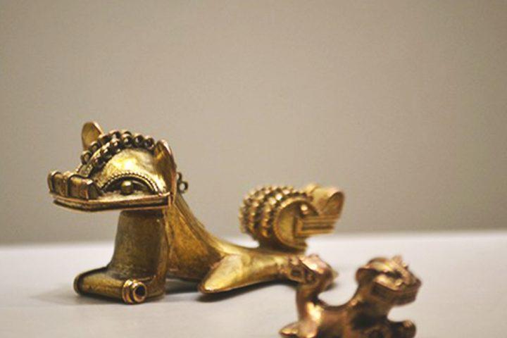 Miticas-Ranas-con-cabeza-de-Felino-y-cola-de-Serpiente