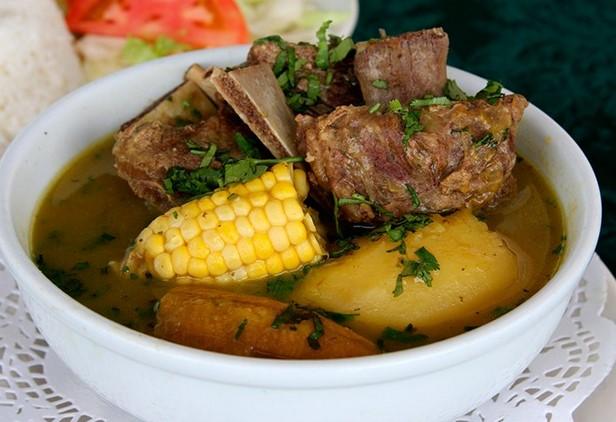 sopa de costilla colombiana 2