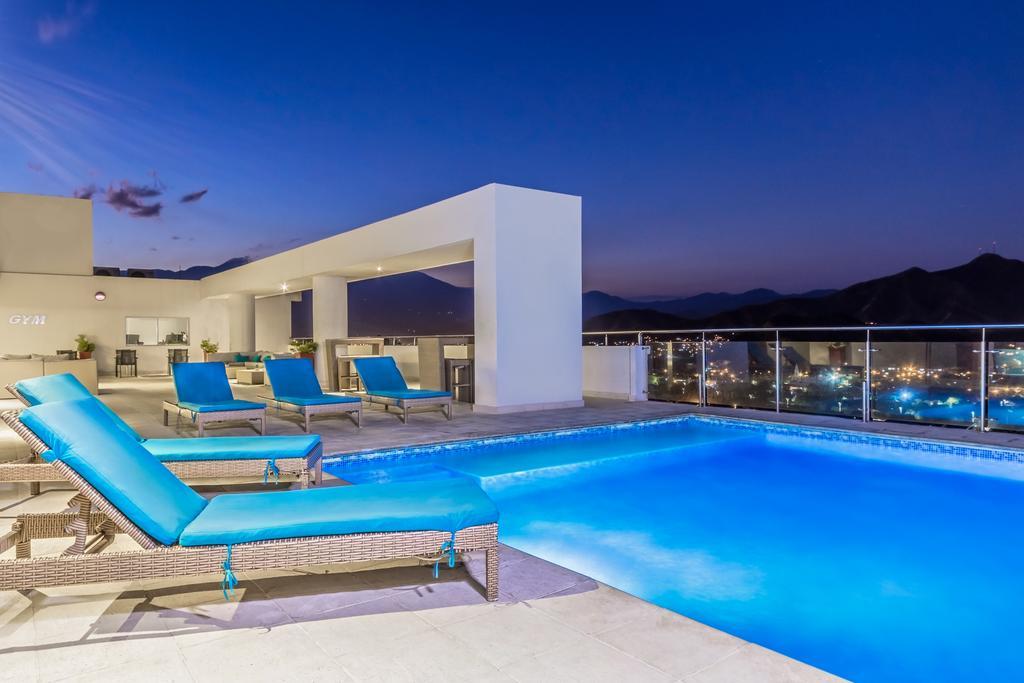 Piscina en la terraza | Hotel Best Western Plus
